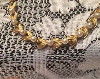 """CHARET 16"""" gold/pearl necklace"""