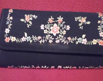 Embroidered Chinese Evening Clutch