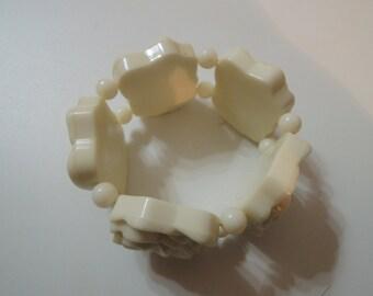 Bracelet vintage (Ivory cream carved roses bangle)