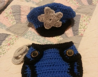 Baby policeman cap and bottom with handcuffs