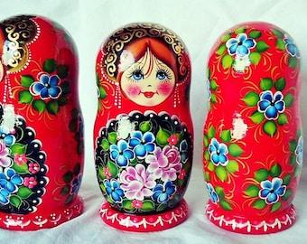 "4,7"" (12cm) Traditional Wooden Nesting Dolls - Matryoshka"