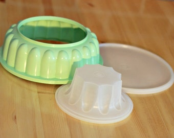 Clearance Tupperware jello mold 3 pieces set, Mint green jello mold, Aspic mold, mom gift, 70s decor, Christmas gift, 70s kitchen