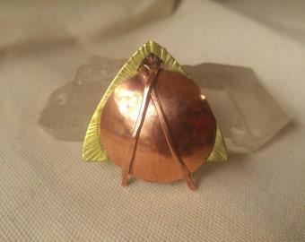 Textured pendant