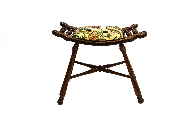 Antique needlepoint saddle seat vanity stool - Antique vanity stools ...