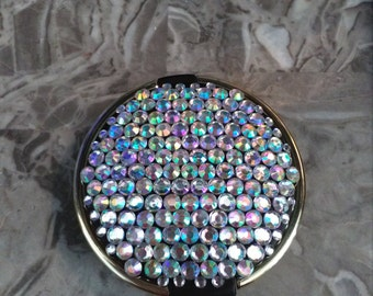Diamante mirror compact.