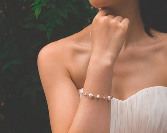 Pearl & Crystal Bridal Bracelet, Luxury Swarovski Pearl, Sparkly Bridesmaid Bracelet, Bridal Jewelry, Accessory, Bracelet, Anniversary Gift