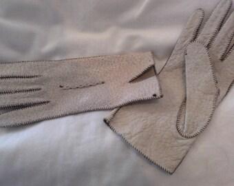 Vintage 1950s  Ladies Leather Gloves
