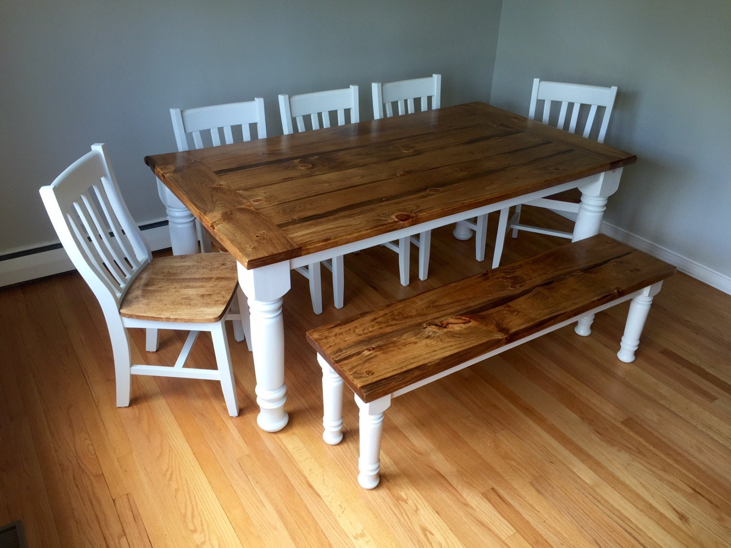 classic turned leg farmhouse dining table