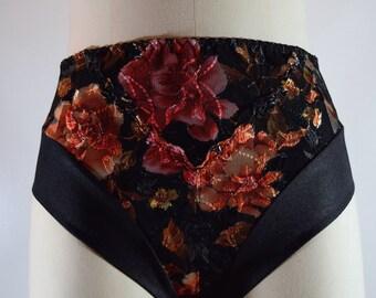 High waist brief in multis/black