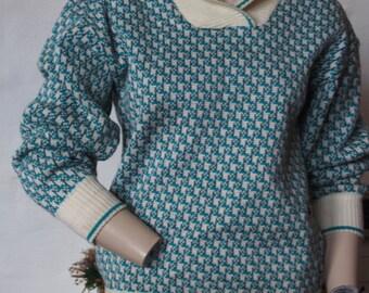 Amazing woolen jumper with collar (M)