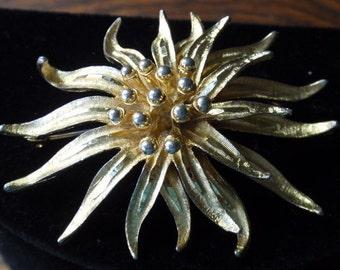 BSK Star Flower Brooch