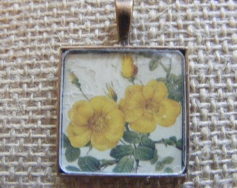 Victorian Yellow Rose Pendant