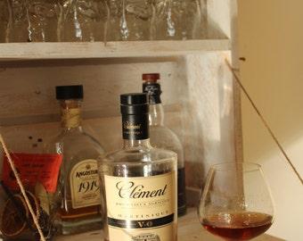 Pallet shelf mini bar