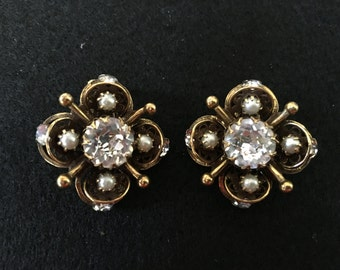Vintage 1950s Copper Filigree Crystal & Faux Pearls Clip-Ons