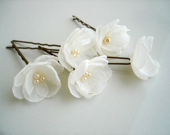 Small Ivory Flowers, Wedding Hair Pins, Pearl Wedding Hair Accessory, Bridal Hair Pins Set of 5