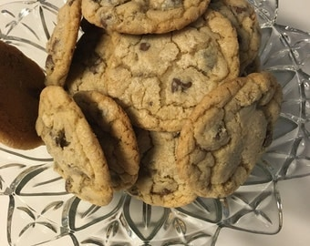 Chocolate Chip Cookies with nuts (1 dozen)