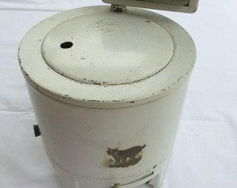 Vintage Childrens Metal Toy Wringer Washing Machine