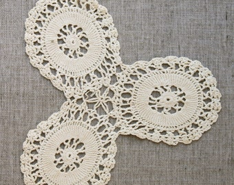 Vintage Crochet Doily, handmade doily, off white cream cotton doily, vintage lace, hand crocheted vintage homewares