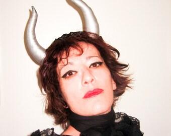 Headbands Horns Festival,Maleficent horn with black flowers,Rennisance Fair,Gothic,burlesque costume ball