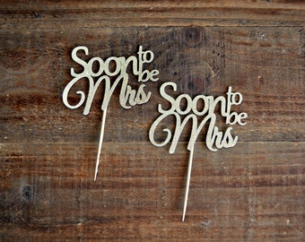 Soon to be Mrs Toppers. Bridal Shower Cupcake Toppers. Bachelorette Cupcake Toppers. Wedding Shower Decor. Bridal Shower Decorations.