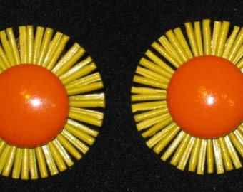 1960s Yellow & Orange Daisy Clip Earrings