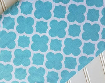 Riley-Blake-Designs-Fabric-By-The-Yard-Aqua-Quartrefoil-Fat-Quarters-Sewing-DIY-Projects-Crafts-Supplies
