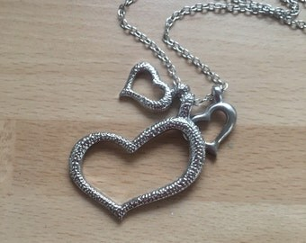 Stunning Silver 3 Hearts Necklace on 18 Inch Chain..