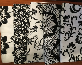 Black and White fat quarter bundle - 5 pieces