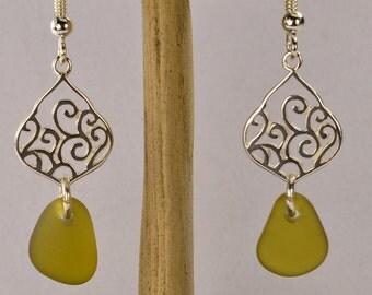 Sea glass earrings / sea glass / sterling silver