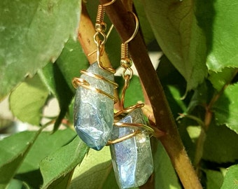 Raw stone gold earrings - gold blue stone earrings - blue crystal earrings - gold stone earrings - gold crystal earrings - raw crystal gold