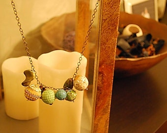 Sparkling, splendid beads necklace