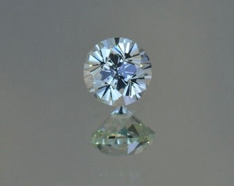 Grossular Garnet - 5.6 mm and 0.95 ct