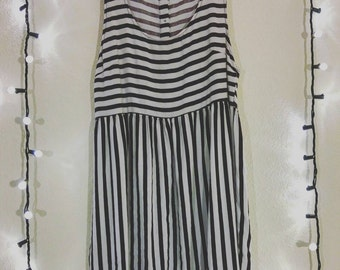 Striped Horizontal Vertical Buttoned Back Top