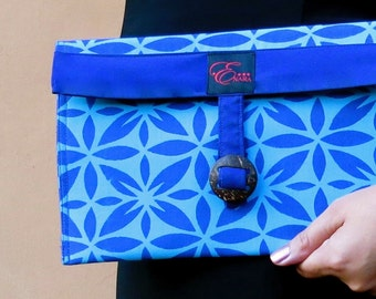Pacific inspired handmade and hand printed totes and clutches