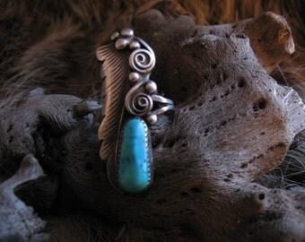 Vintage Signed D. Gordon Native American Sterling Silver Leaf & Turquoise Ring