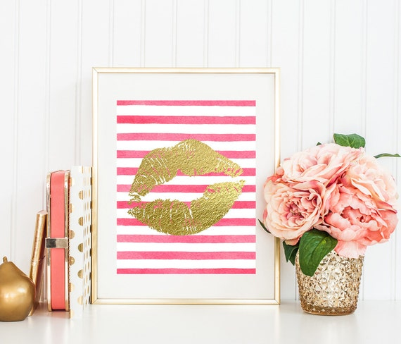 Bedroom wall art, Gold kiss, Fashion print, Lips print, Watercolor, Lipstick print, Fashion poster, Gold lips, Printable decor, Gold foil