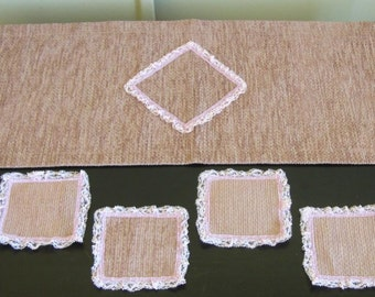 Table runner with 6 matching coasters