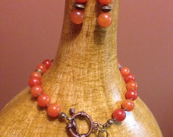 Earthy bracelet and earring set with charm