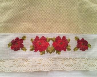 Towel red flowers: