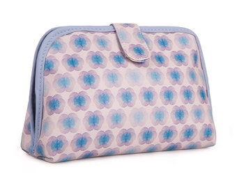 TaylorHe Toiletry Travel Wash Bag with Kaleidoscopic Pattern.