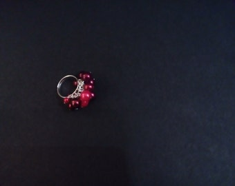 Adjustable beaded ring berry themed