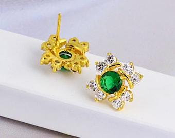 Emerald green and white stone earrings (8292)