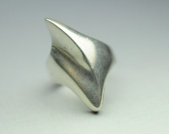 T03D03 Vintage Modern Taxco TB-153 Signed Propeller Design 925 Sterling Silver Ring Size 8 Mexico