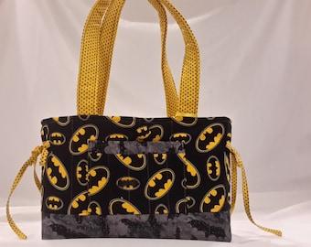 Batman mini bow tucks purse