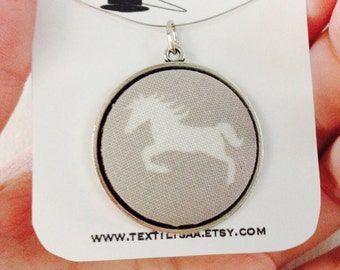 Pendant horse / HORSE during