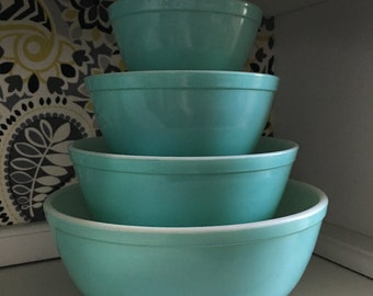 Pyrex Turquoise complete set of nesting bowls FREE SHIPPING!