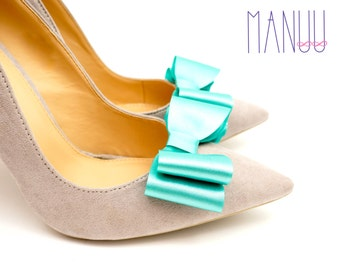 Aquamarine/celadon satin bows - shoe clips Manuu, Wedding accessory, Bridal shoes