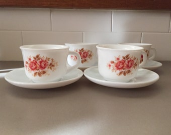Vintage set of 4 Arcopal France cups and saucers