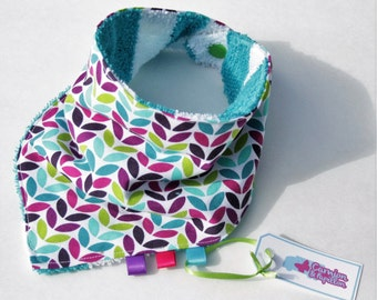 Bib turquoise, green and Mauve flowers