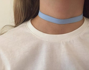 """Choker"" necklace made of fabric"